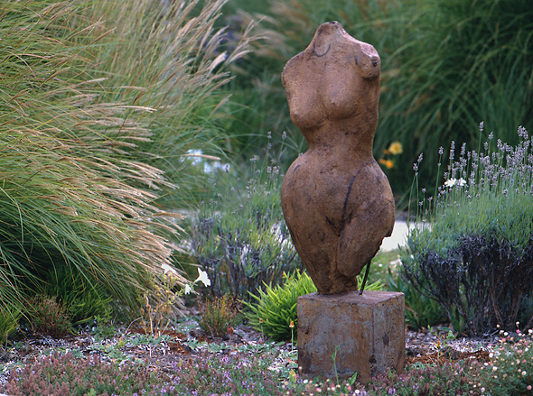 Sculpture and ornamental grasses. Photo ©Lee Anne White